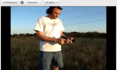 Saisir la culasse d'un pistolet en action…