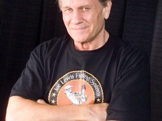 10 arts martiaux pour la self-défense, selon Joe Lewis