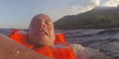 8328566-indonesie-le-francais-rescape-du-naufrage-a-filme-la-mesaventure