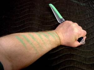 Des couteaux marqueurs pour s'entraîner