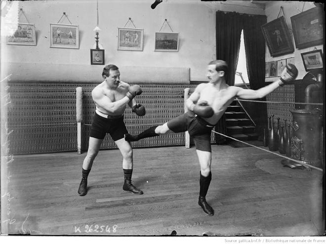 Genty et Bayle, 1907, chassé bas de Boxe Française Savate